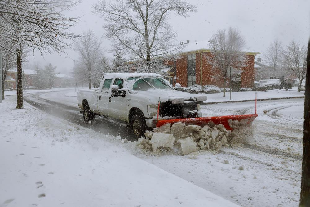SNOW-PLOWING-Toronto